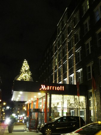 Cologne Marriott Hotel : The Hotel