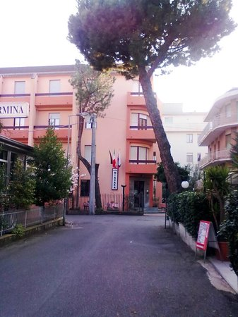 Hotel Niagara Rimini : Esterno