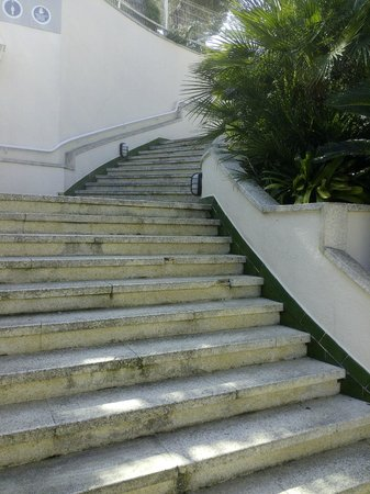 Aparthotel Guitart Central Park: Escalinata