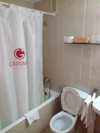 Aparthotel Guitart Central Park: Baño