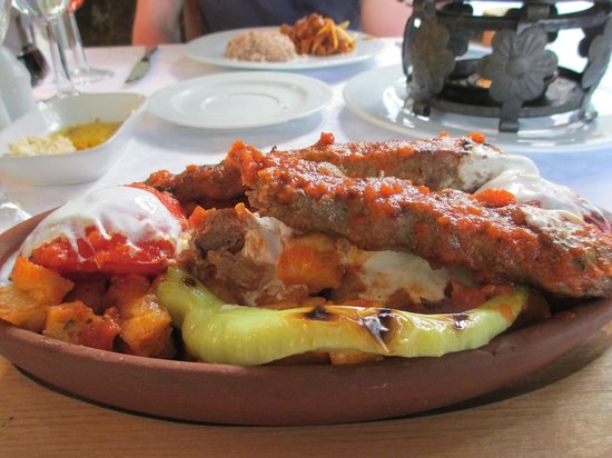 Pasazade Restaurant Ottoman Cuisine : Meatball Kebab with Yogurt Sauce