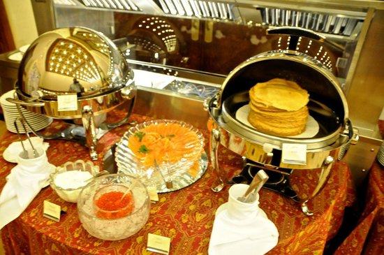 Hotel Metropol Moscow : Blinis for Blini week! Part of breakfast buffet.
