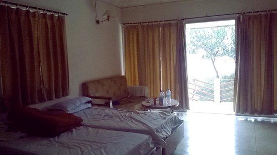 Orchid Lake Resort : room
