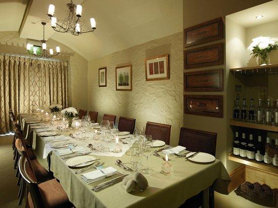 Braye Beach Hotel: Private Dining Room