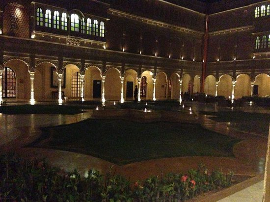 Suryagarh : the courtyard in evening