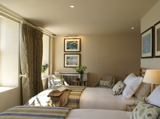 Braye Beach Hotel: Lovely Twin Room