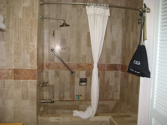 Villa del Palmar Beach Resort & Spa: shower