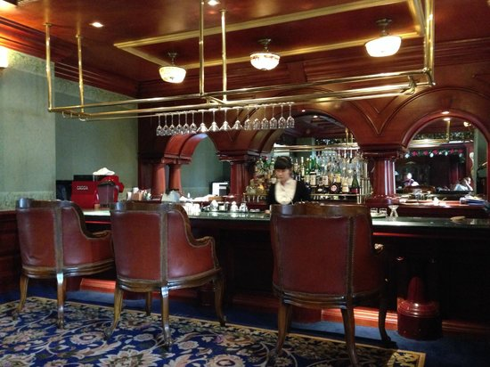 The Imperial Hotel: Bar