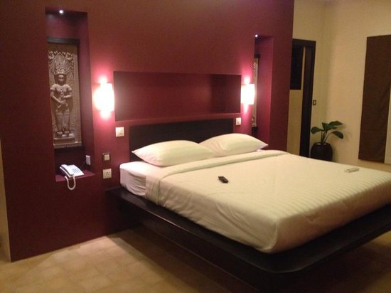 Villa Amalia : comfortable bed  and nice room