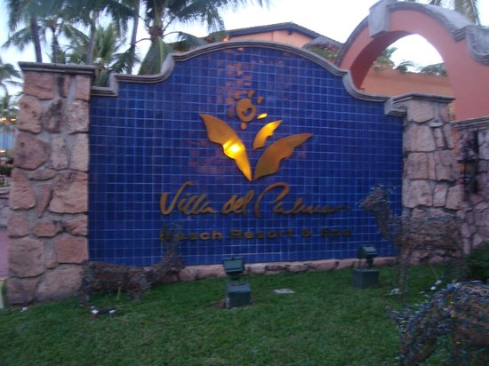 Villa del Palmar Beach Resort & Spa: entrance sign