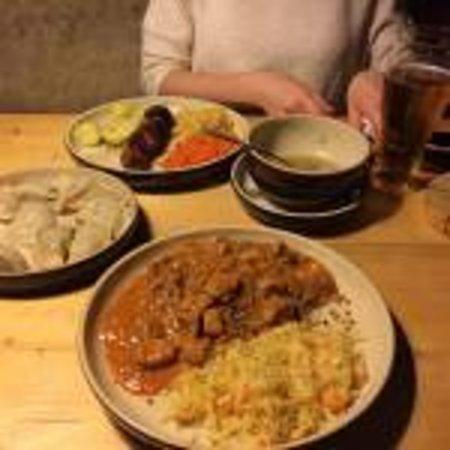 Chata : Суп,куриный шашлык, пироги и гуляш