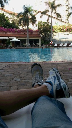 Lotte Legend Hotel Saigon : ホテルプール