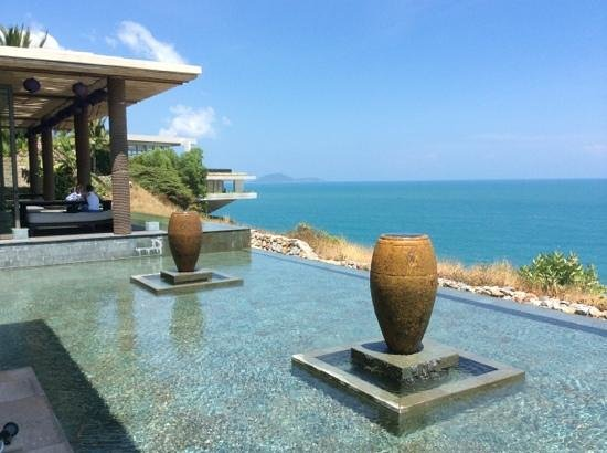 Mia Resort Nha Trang : lobby overlooking beach