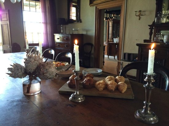 Hawksmoor House at Matjieskuil Farm : dining area