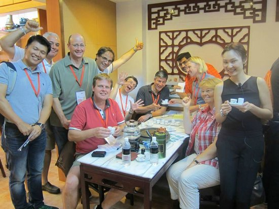 Yixing Xuan Teahouse: Everyone high on tea after a Tea Appreciation workshop :)