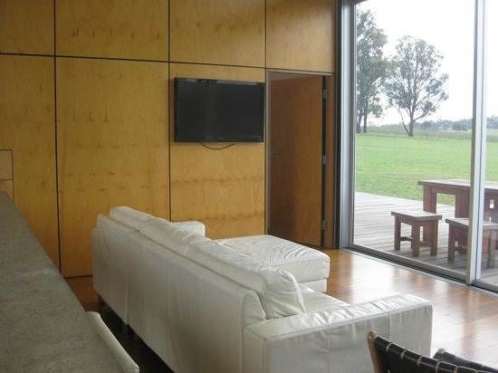 The Longhouse: Lounge