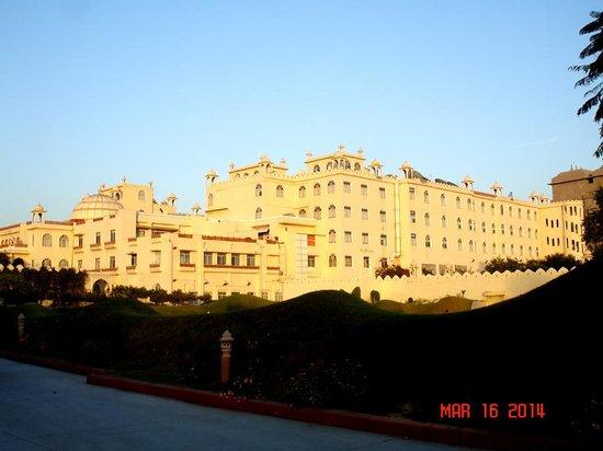 Le Meridien Jaipur Resort & Spa : Majestic Expanse