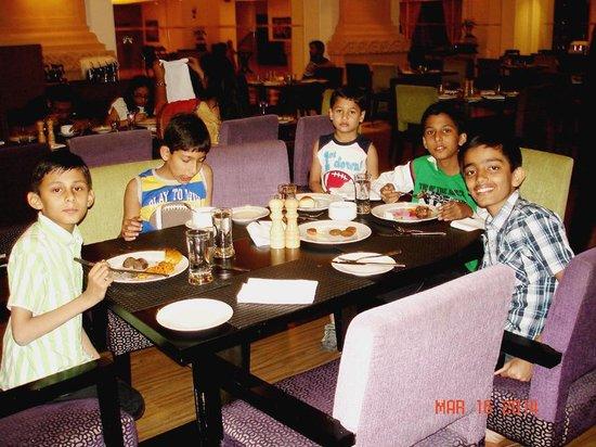 Le Meridien Jaipur Resort & Spa : Children too were happy!