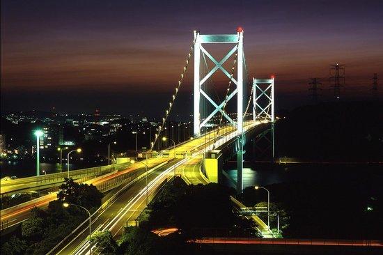 Premier Hotel Mojiko: めかり展望台からの関門橋の夜景は息を呑む美しさ