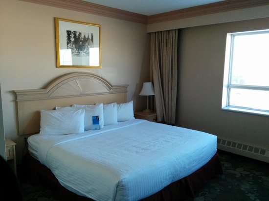 Days Inn & Suites Yellowknife: Room (1)