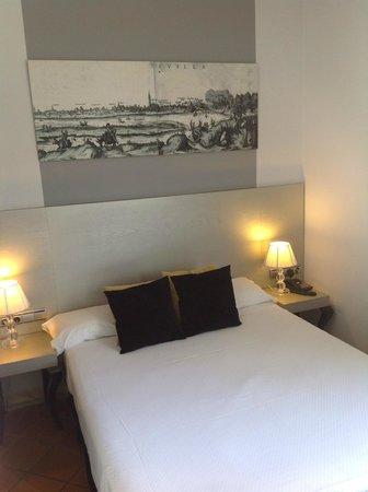 Hotel Fontecruz Sevilla Seises: bed