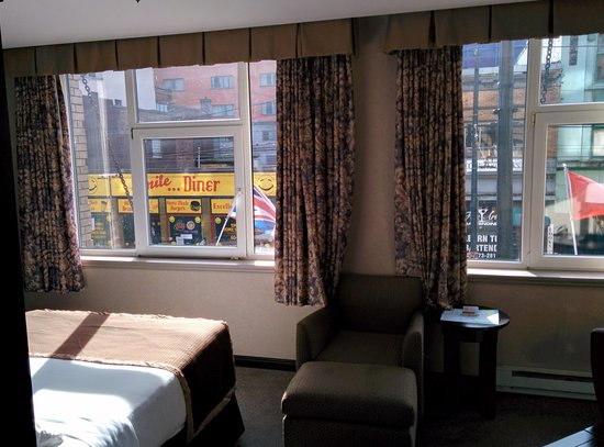 Ramada Limited Vancouver Downtown: The room