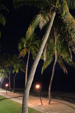The Westin Denarau Island Resort & Spa Fiji: Evenings with fire torches