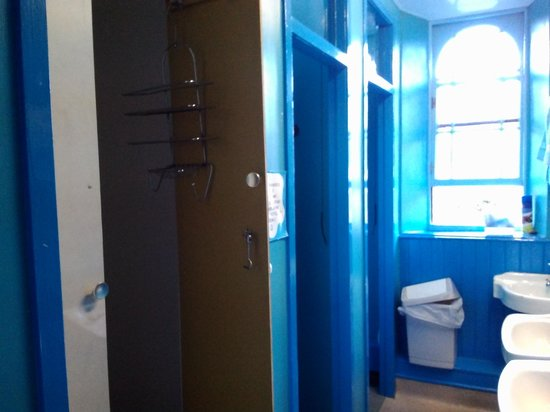 Inverness Student Hotel : unisex facility