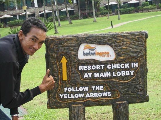 Bintan Lagoon Resort: dari pelabuhan menuju ke hotel