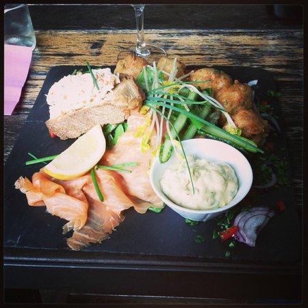 Cafe a la Une: Suggestion du jour : une copieuse assiette de crustacés