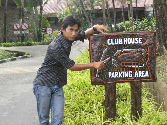 Bintan Lagoon Resort: gerbang club house