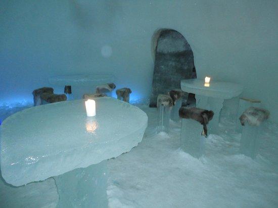 Arctic SnowHotel & Glass Igloos: Bar