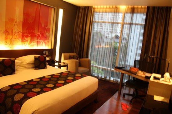 Park Plaza Bangkok Soi 18: room