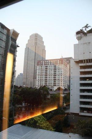 Park Plaza Bangkok Soi 18: view