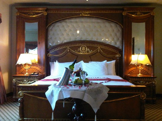 Imperial Royale Hotel: Honey Moon Suite for wedded couples