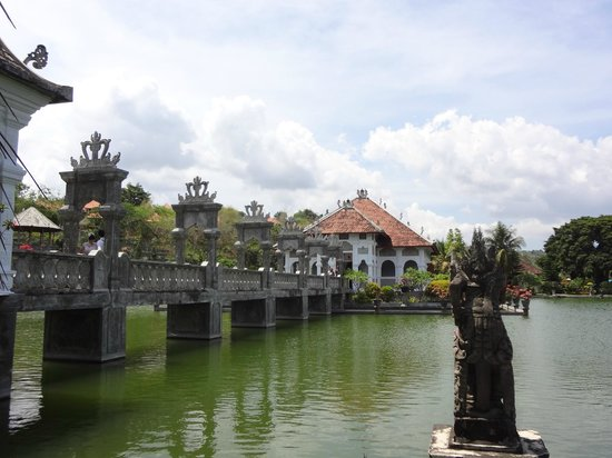 Amankila: Aman's Excursion Tour - Water Palace