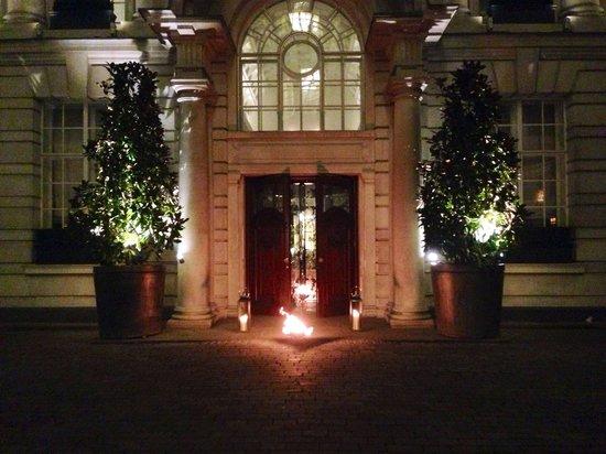 Rosewood London : Entrance