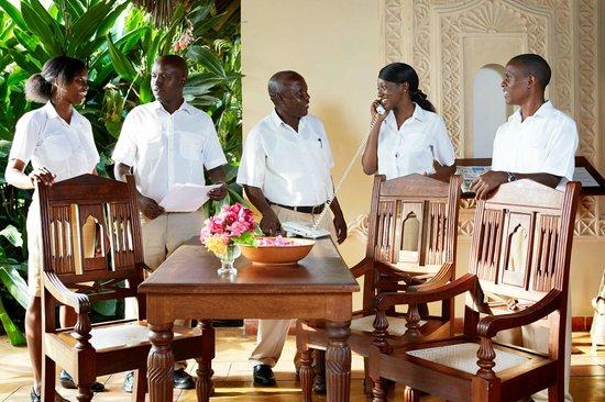Neptune Palm Beach Boutique Resort & Spa All Inclusive: reception team