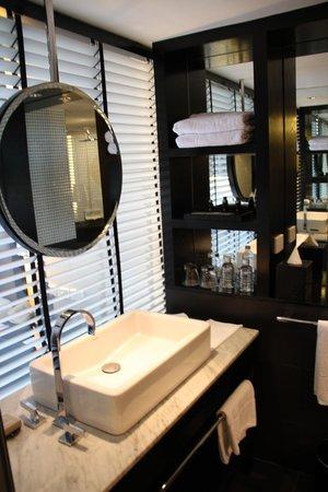 Hard Rock Hotel Pattaya: bath