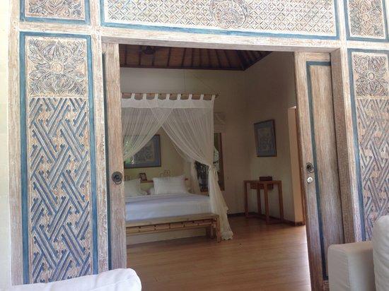 Villa Bali Asri Batubelig : View to bedroom
