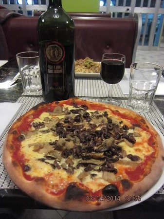 Solo Da Me : Mushroom pizza for 1 (you don't share a pizza, allegedly)