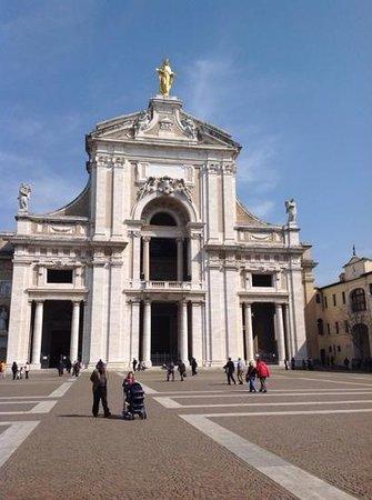 """Cristallo Hotel Assisi: """"CHIESA SANTA MARIA DEGLI ANGELI"""" ISABELLA PARTIPILO"""