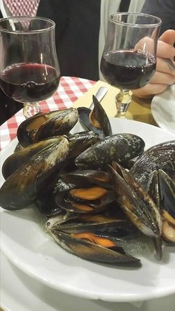 Hosteria La Vacca M'briaca: Mussell dish at the Drunken Cow in Rome