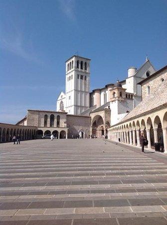 "Cristallo Hotel Assisi: ""BASILICA DI SAN FRANCESCO-ASSISI"" ISABELLA PARTIPILO"
