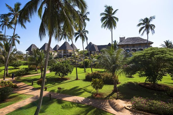 Neptune Pwani Beach Resort & Spa: tropical garden