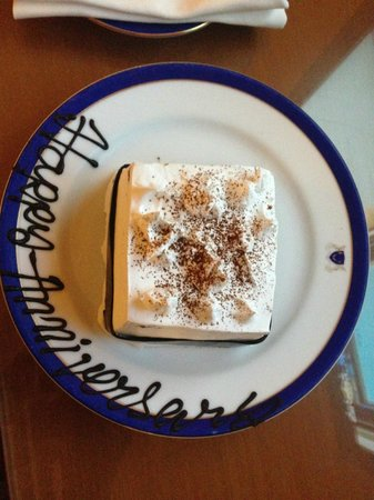 Wildflower Hall, Shimla in the Himalayas: our special anniversary cake