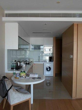 Fraser Suites Chengdu : Kitchen area