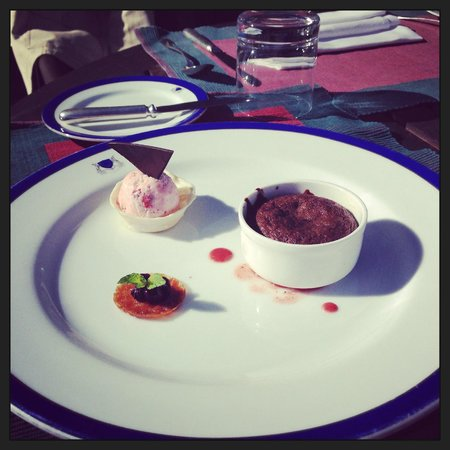 Wildflower Hall, Shimla in the Himalayas: soft centered chocolate cake with strawberry icecream