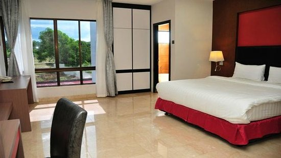 The Centro Hotel and Residence: room