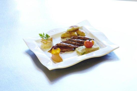Kyriad Grenoble Nord - Le Fontanil : Magret de canard au Miel et Epices